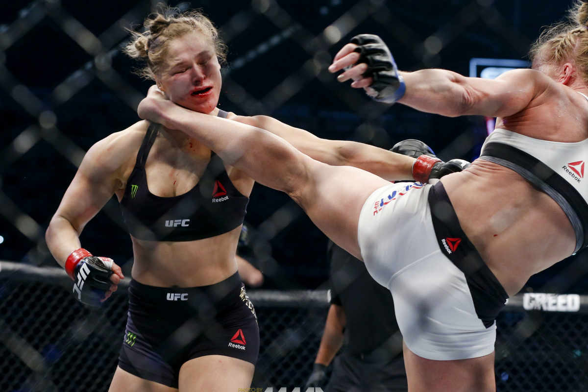 holly-holm-vs-ronda-rousey-UFC-193-fight